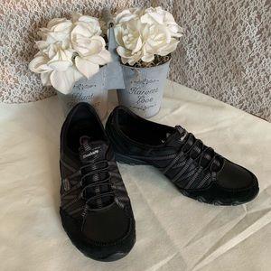 Skechers black size 9 NWOT